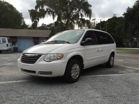 2006 Chrysler Town and Country for sale in Port Richey, FL