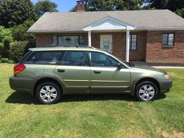 2005 Subaru Outback for sale at SOUTHERN YORK MOTORS in New Freedom PA