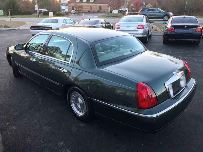 2001 Lincoln Town Car Executive 4dr Sedan In Youngstown Oh Direct