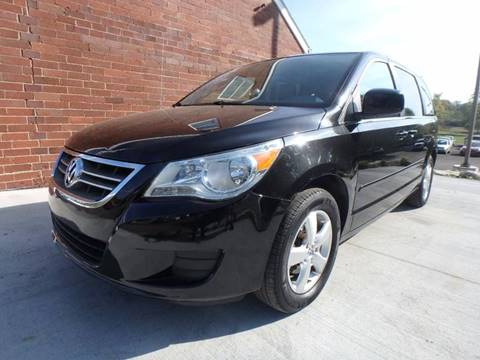 2010 Volkswagen Routan for sale in Youngstown, OH