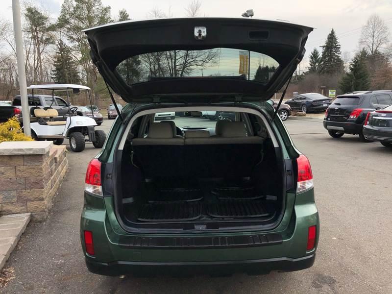 2011 Subaru Outback 3.6R Premium (image 6)