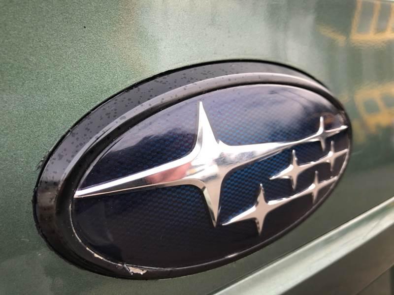 2011 Subaru Outback 3.6R Premium (image 17)