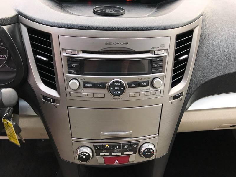 2011 Subaru Outback 3.6R Premium (image 21)