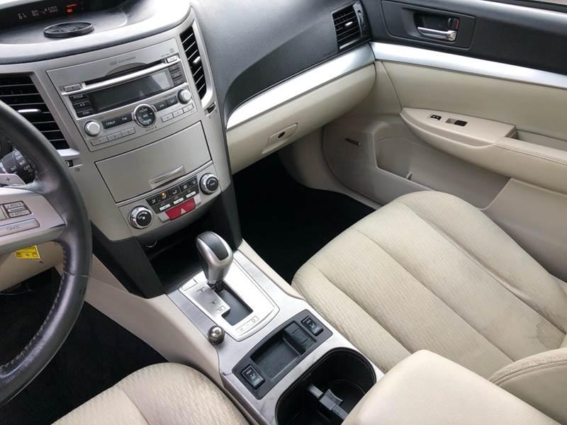 2011 Subaru Outback 3.6R Premium (image 23)