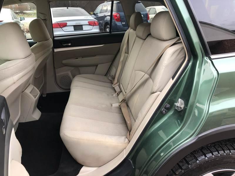 2011 Subaru Outback 3.6R Premium (image 28)