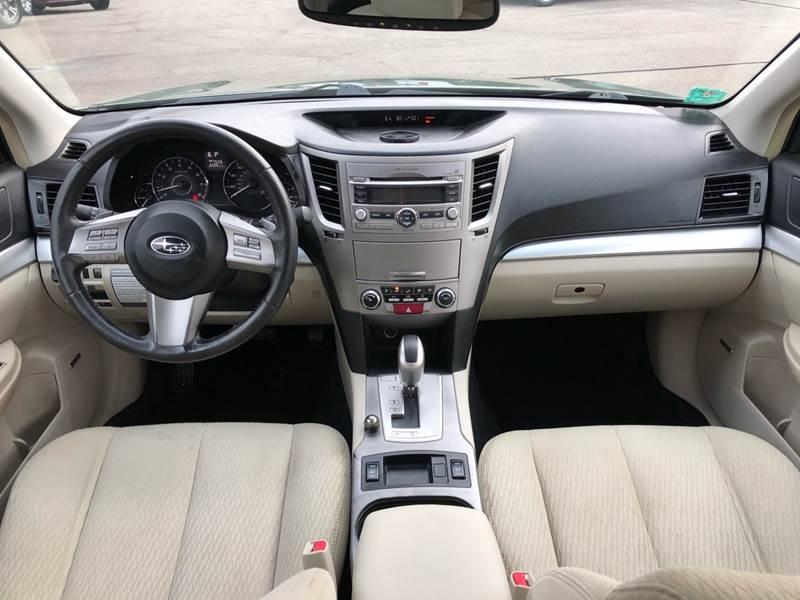 2011 Subaru Outback 3.6R Premium (image 33)