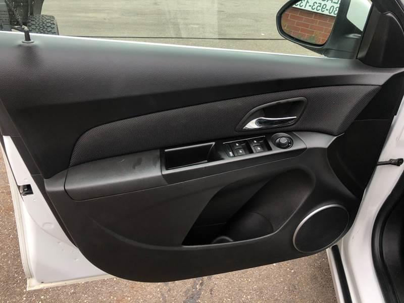 2011 Chevrolet Cruze LTZ (image 22)