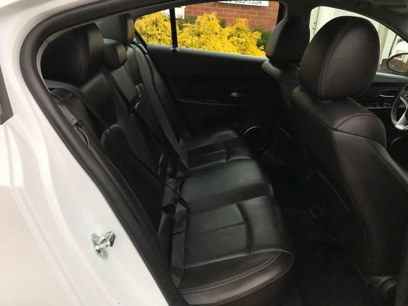 2011 Chevrolet Cruze LTZ (image 29)