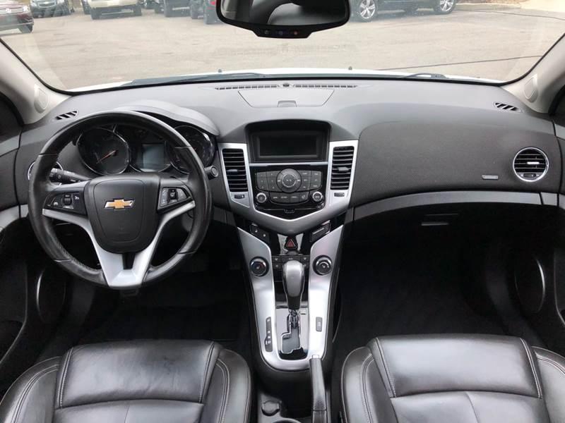 2011 Chevrolet Cruze LTZ (image 30)