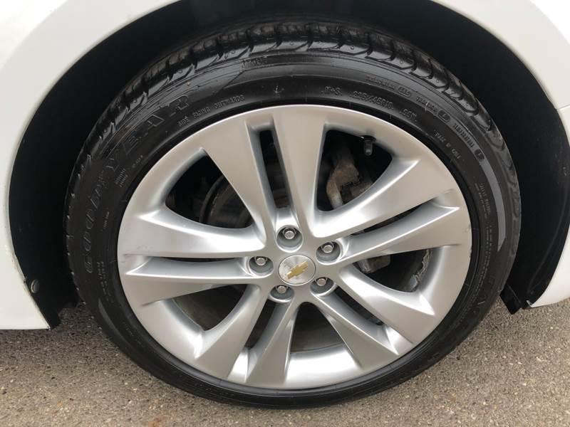 2011 Chevrolet Cruze LTZ (image 31)