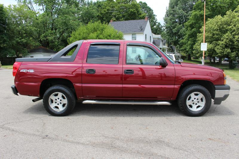 2005 Chevrolet Avalanche for sale at Ideal Motorcars in Columbus OH