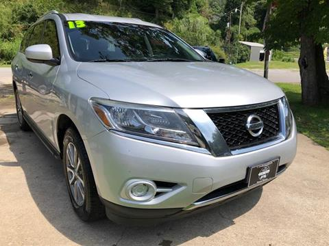 2013 Nissan Pathfinder for sale in Wooton, KY
