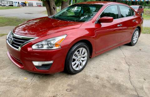 2015 Nissan Altima for sale at Day Family Auto Sales in Wooton KY
