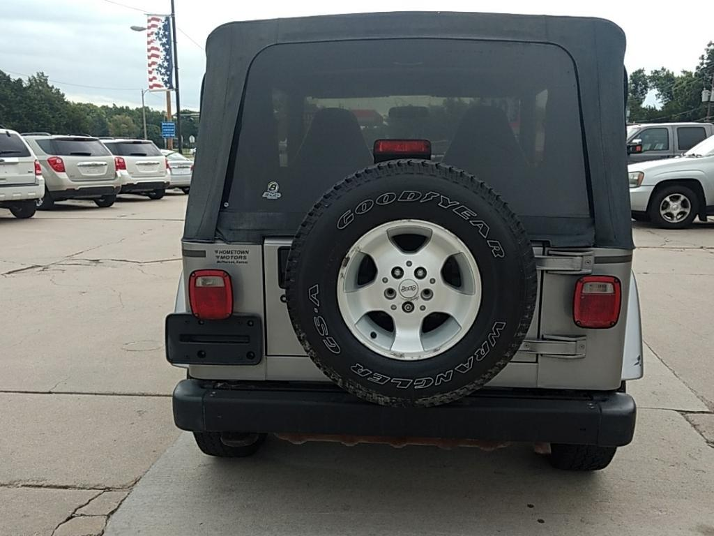 2001 Jeep Wrangler for sale at HOMETOWN MOTORS in Mcpherson KS