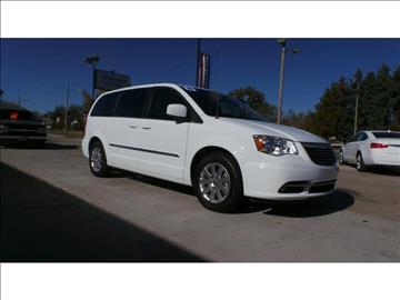 2016 Chrysler Town and Country for sale at HOMETOWN MOTORS in Mcpherson KS