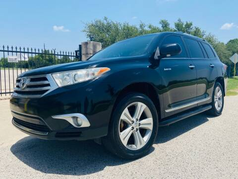 2012 Toyota Highlander for sale at AUTO DIRECT Bellaire in Houston TX