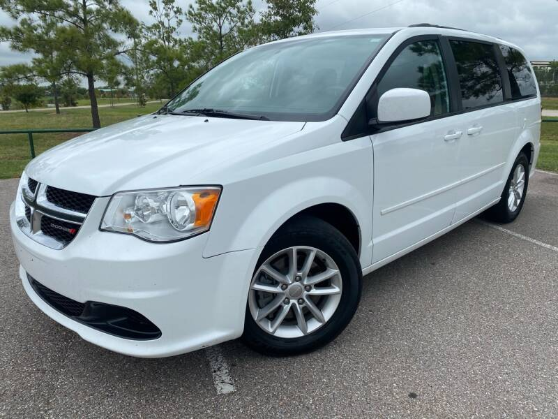 2016 Dodge Grand Caravan for sale at AUTO DIRECT in Houston TX