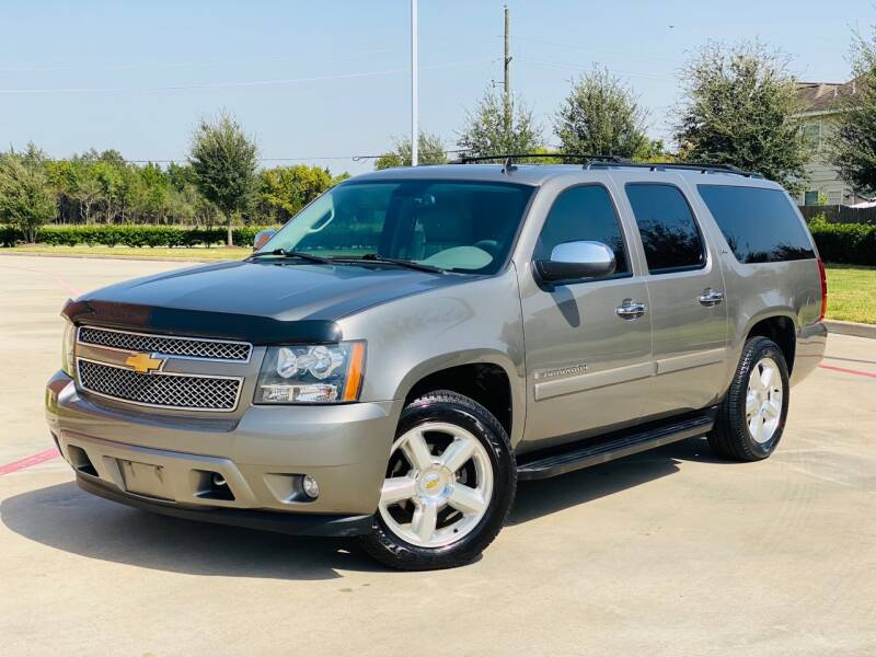 2008 Chevrolet Suburban for sale at AUTO DIRECT in Houston TX