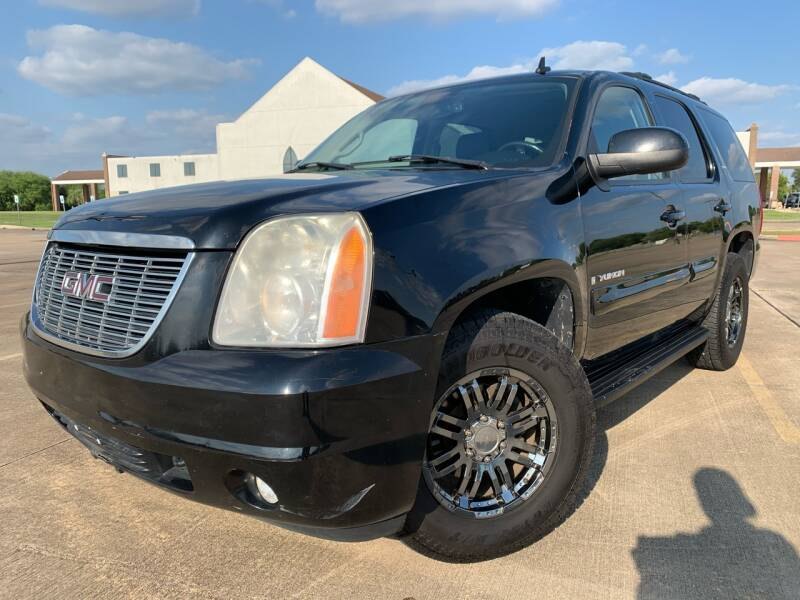 2007 GMC Yukon for sale at AUTO DIRECT Bellaire in Houston TX