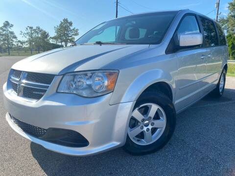 2012 Dodge Grand Caravan for sale at AUTO DIRECT in Houston TX