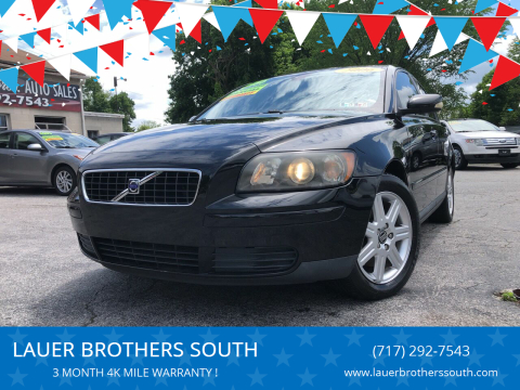 2006 Volvo S40 for sale at LAUER BROTHERS SOUTH in York PA