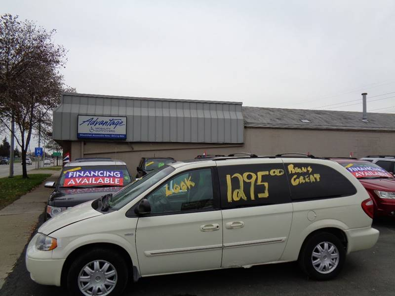 2007 Chrysler Town and Country for sale at Aspen Auto Sales in Wayne MI