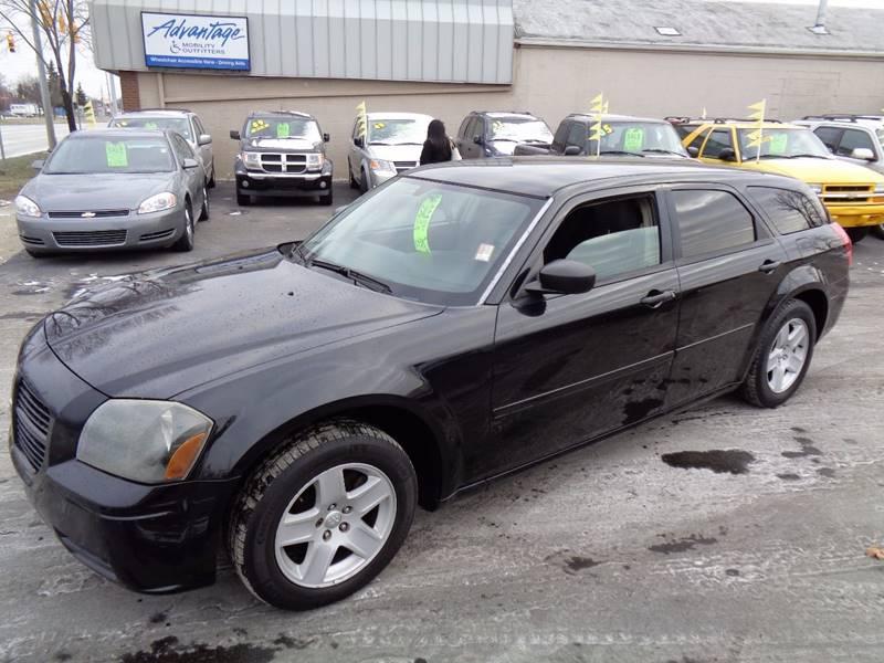 2005 Dodge Magnum for sale at Aspen Auto Sales in Wayne MI