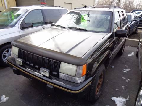 1995 Jeep Grand Cherokee for sale at Aspen Auto Sales in Wayne MI
