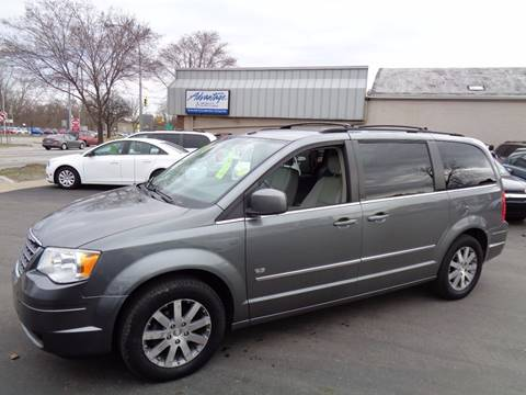 2009 Chrysler Town and Country for sale at Aspen Auto Sales in Wayne MI