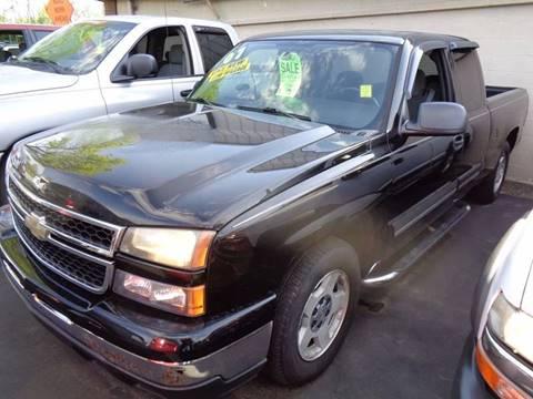 2007 Chevrolet Silverado 1500 Classic for sale at Aspen Auto Sales in Wayne MI