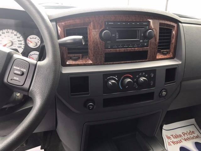 2006 Dodge Ram Pickup 2500 SLT 4dr Quad Cab 4WD LB - Ada OH