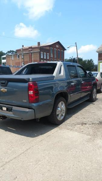 2009 Chevrolet Avalanche for sale at Sam's Used Cars in Zanesville OH