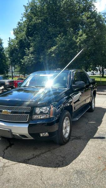 2010 Chevrolet Avalanche for sale at Sam's Used Cars in Zanesville OH