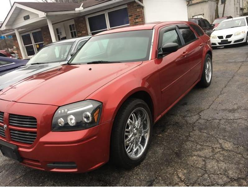 2005 Dodge Magnum for sale at Sam's Used Cars in Zanesville OH