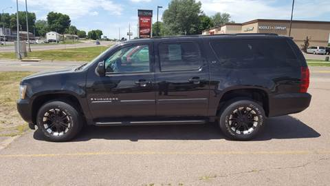 2007 Chevrolet Suburban for sale at Dakota Cars and Credit in Sioux Falls SD