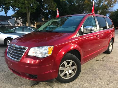 2008 Chrysler Town and Country for sale in Milwaukee, WI