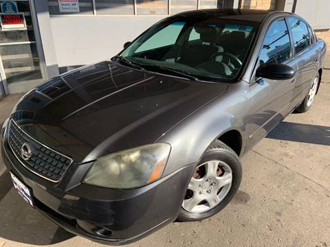 2005 Nissan Altima 2.5 S for sale at Car Planet Inc. in Milwaukee WI