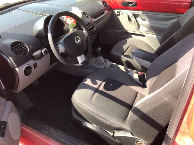 2000 Volkswagen New Beetle GLS 2dr Hatchback - Zanesville OH