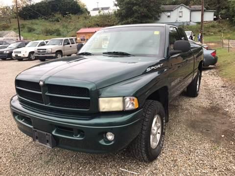 2001 Dodge Ram Pickup 1500 for sale in Zanesville, OH