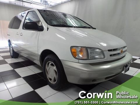 2000 Toyota Sienna for sale in Fargo, ND