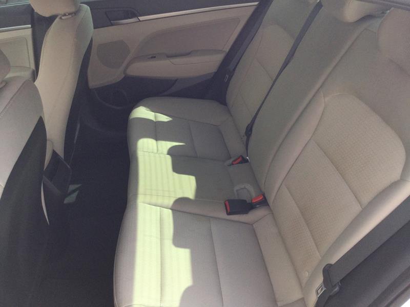 2017 Hyundai Elantra SE 4dr Sedan 6A (US) - Marble Falls TX