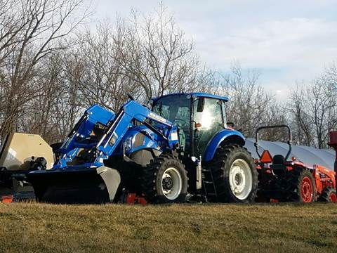 2017 New Holland T56