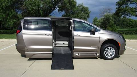 2017 Chrysler Pacifica for sale in Iowa City, IA