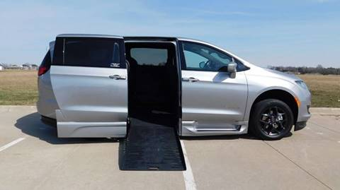 2019 Chrysler Pacifica for sale in Iowa City, IA