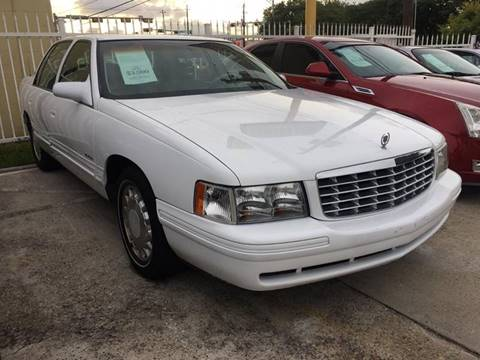 1997 Cadillac DeVille for sale at TEXAS MOTOR CARS in Houston TX