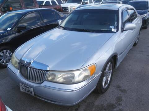 2001 Lincoln Town Car for sale at TEXAS MOTOR CARS in Houston TX