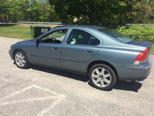 2004 Volvo S60 for sale at Logans Auto in Norwich CT