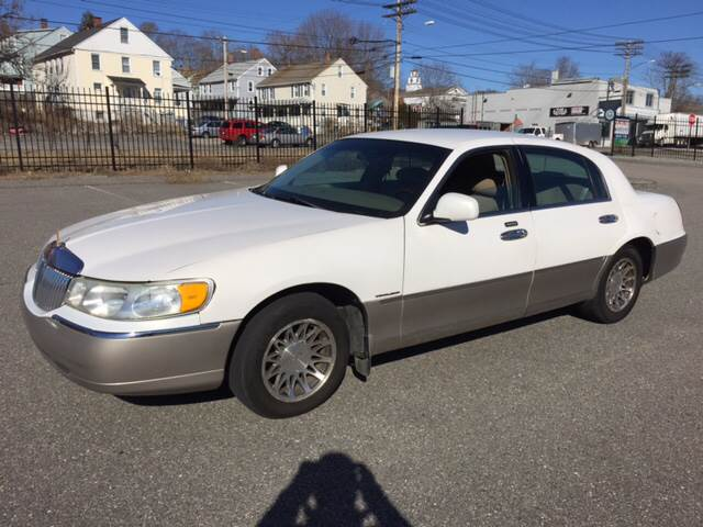 2001 Lincoln Town Car for sale at Logans Auto in Norwich CT