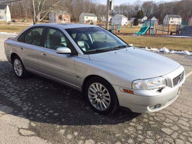 2006 Volvo S80 for sale at Logans Auto in Norwich CT