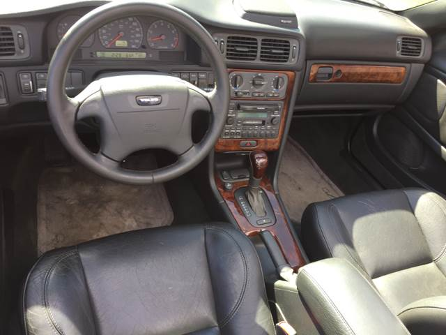 2004 Volvo C70 for sale at Logans Auto in Norwich CT